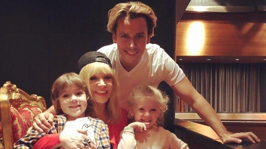 Максим Галкин растрогал фанатов очень грустным видео со своим сыном