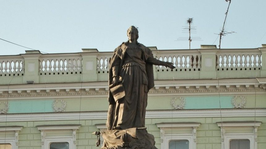 Императрица девушка модель памятника одобрила и скульптор приступил к работе заработать моделью онлайн в мариинск